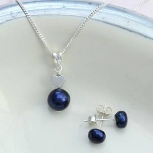 blue-pearl-pendant-with-silver-heart-and-pearl-stud-set