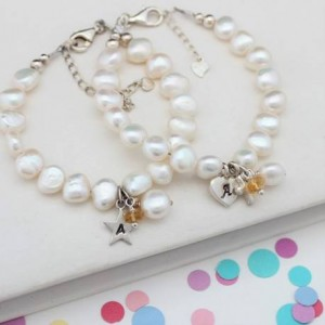 childs-personalised-white-pearl-and-birthstone-charm-bracelet
