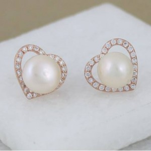 rose-gold-and-pave-crystal-heart-earrings-with-pearl