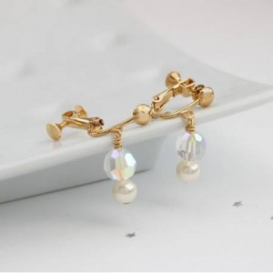 cassio-pearl-and-crystal-earrings-in-ivory