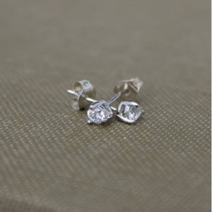 teardrop-cubic-zirconia-stud-earrings