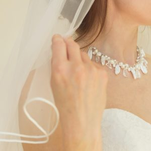 modern pearl necklace for a bride