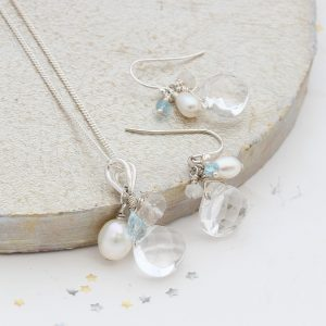 something blue wedding jewellery set for a bride